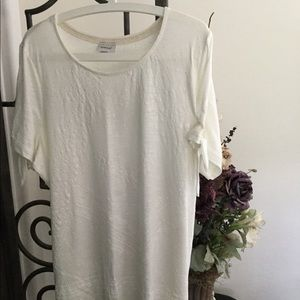 Avenue top with tie sleeve NWOT